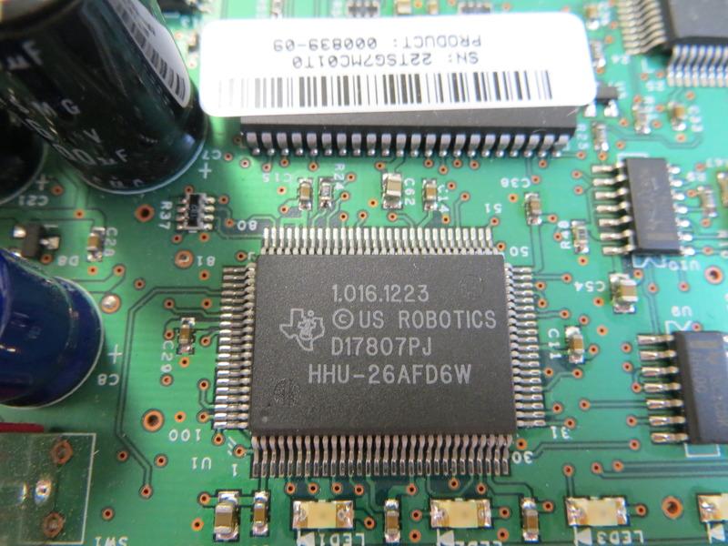 1.016.1223 <br /> copyright US robotics <br /> D17807PJ<br />  HHU-26AFD6W